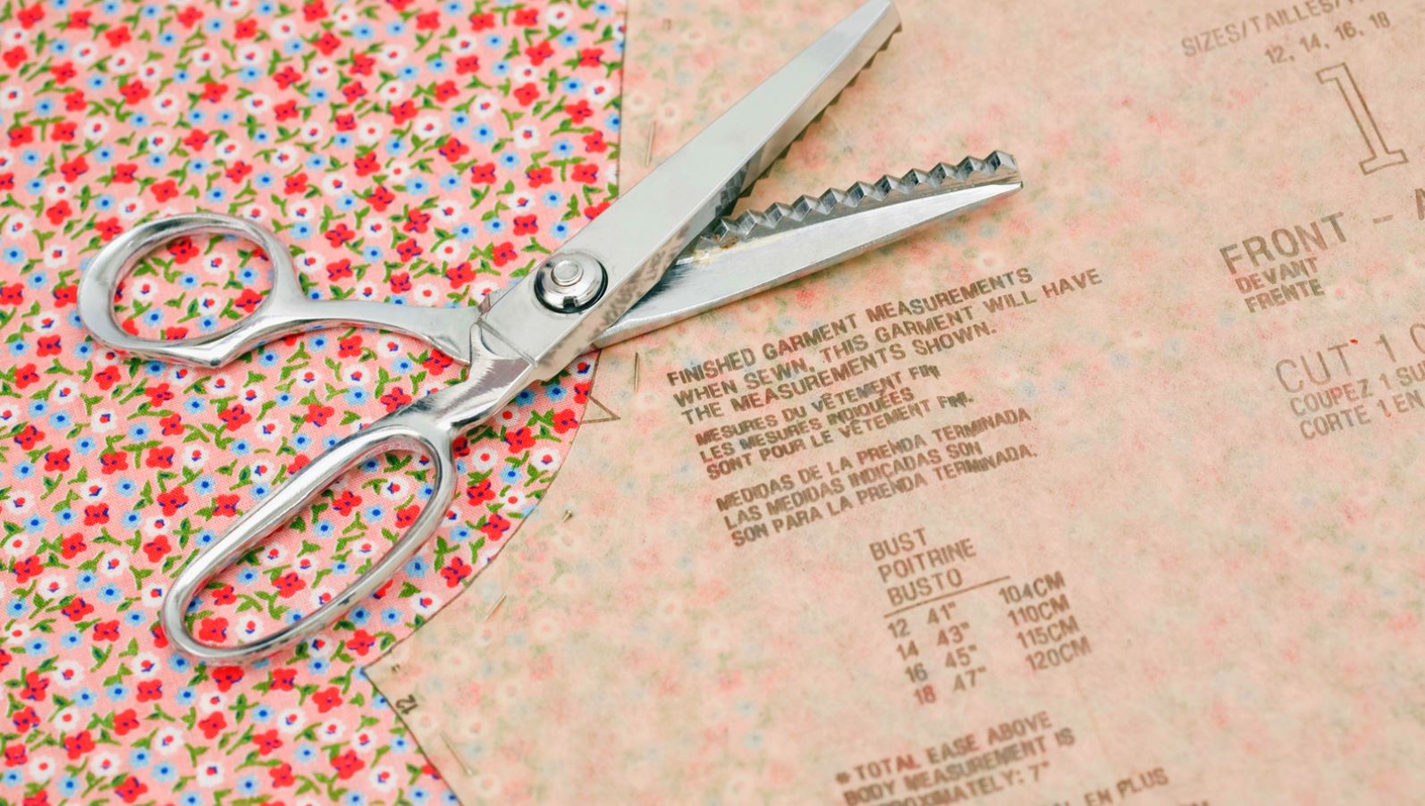 How to Read a Sewing Pattern: how to cut out your pieces