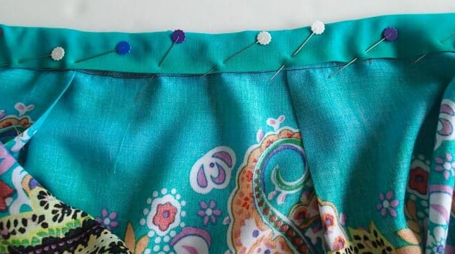 How to Sew a Skirt with Pleats