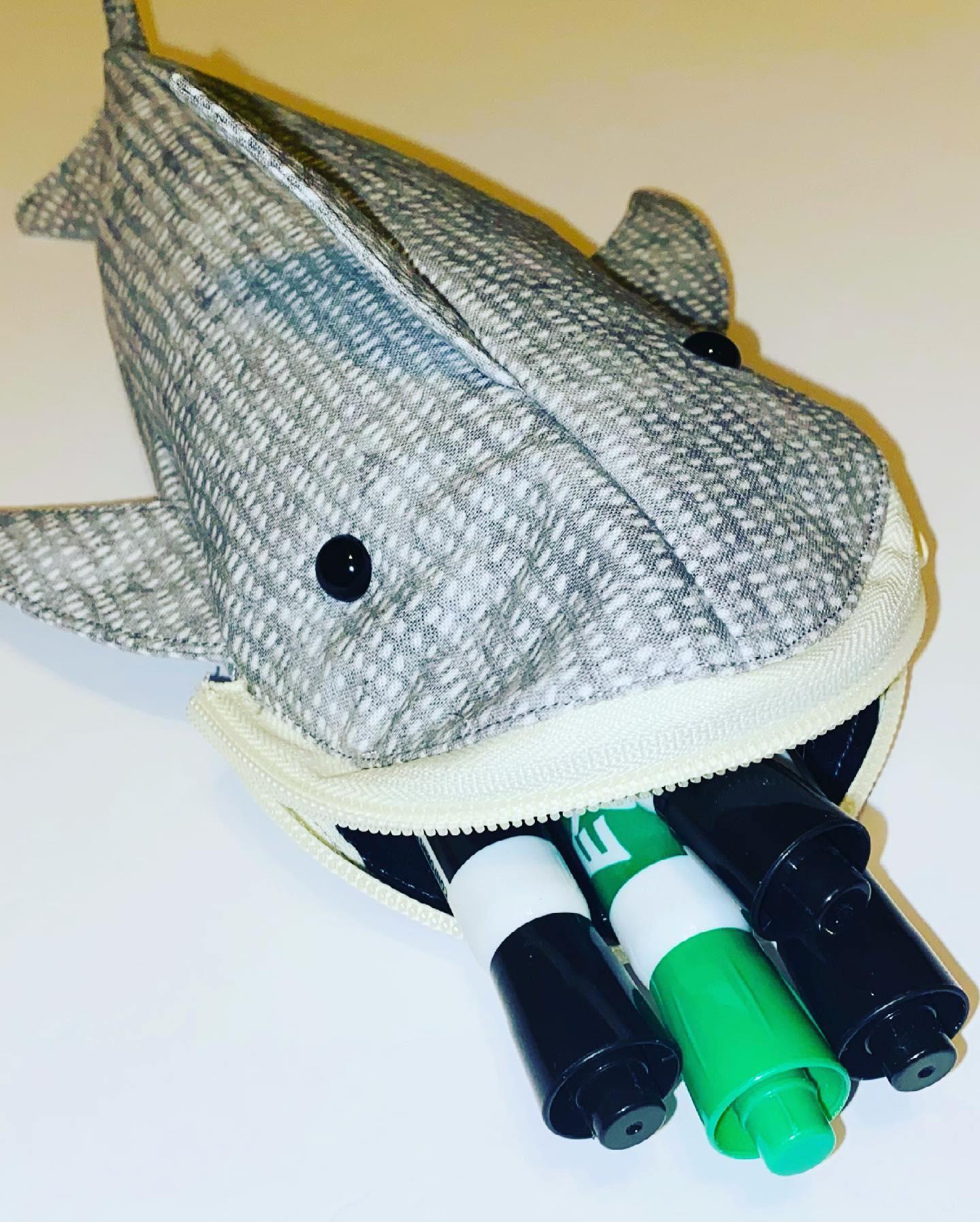 How to Sew a Shark Zipper Pouch